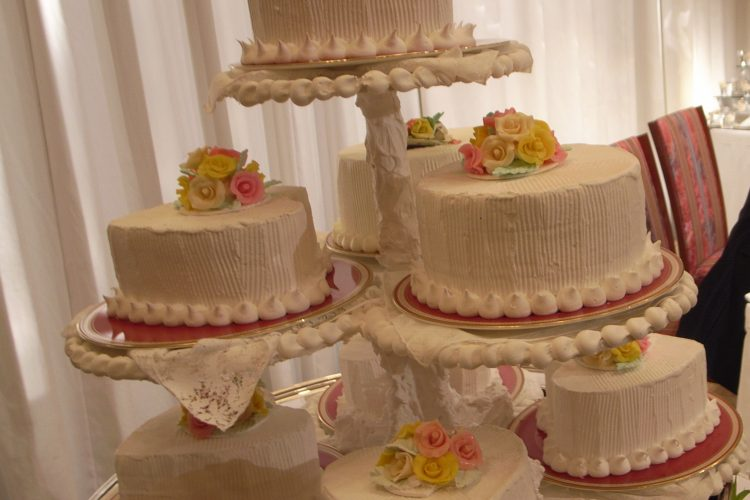 Wedding Cake Stand – Elegant Cake Display