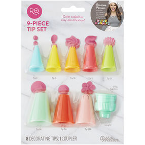 plastic piping nozzles in a cake piping set