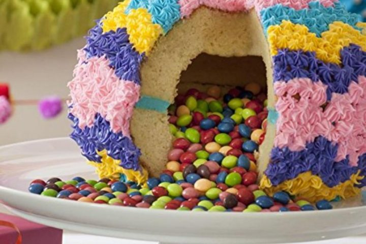 How To Make A Piñata Cake